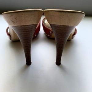 Guess by Marciano Shoes - Guess Women's platform mules (rare)